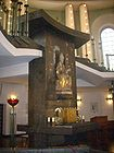 Altar at St.Hedwigs Kathedrale in Berlin 001.jpg